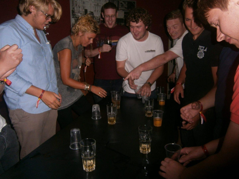 pub crawl berlin games